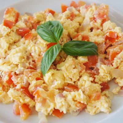 ovos-mexidos-com-tomate-e-oregano