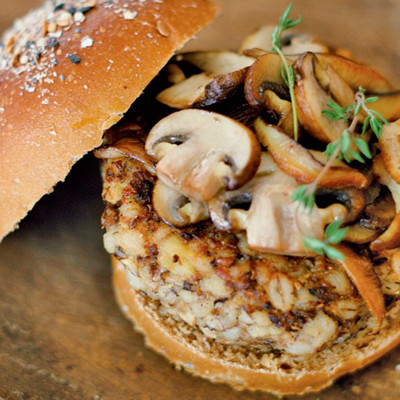 hamburguer-de-cevada-e-champignon